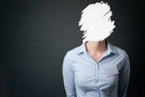 missing-face-girl-300x200