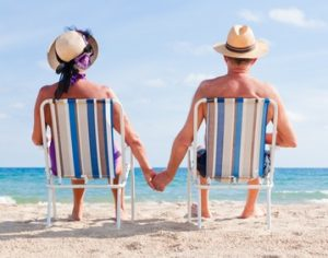 if_blog_old_couple_on_beach